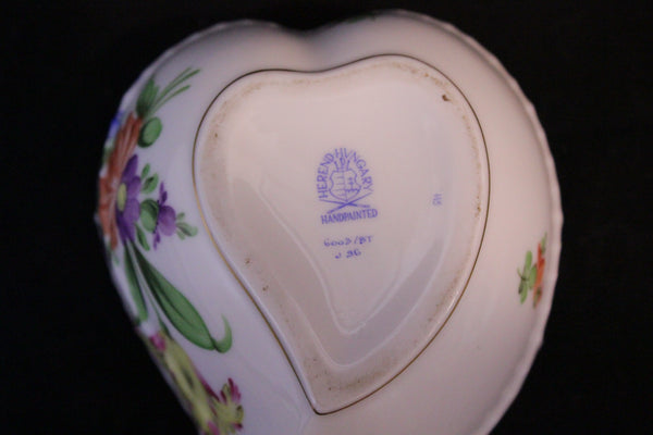 Herend Heart box, Porcelain with sculpted roses. Made in Hungary