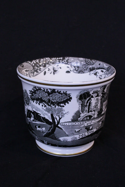 Mid 20th century English Spode cache pot planter,  Black transfer print with Italian scenery pattern