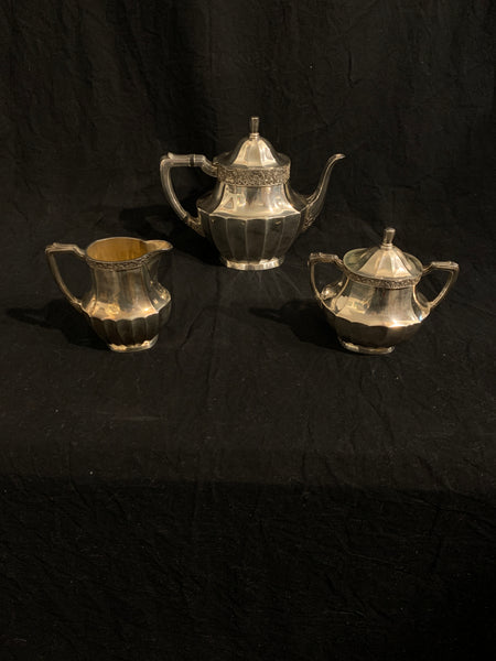 Silver plate tea set, early 20th century 3 piece Community Plate Coronation Pattern