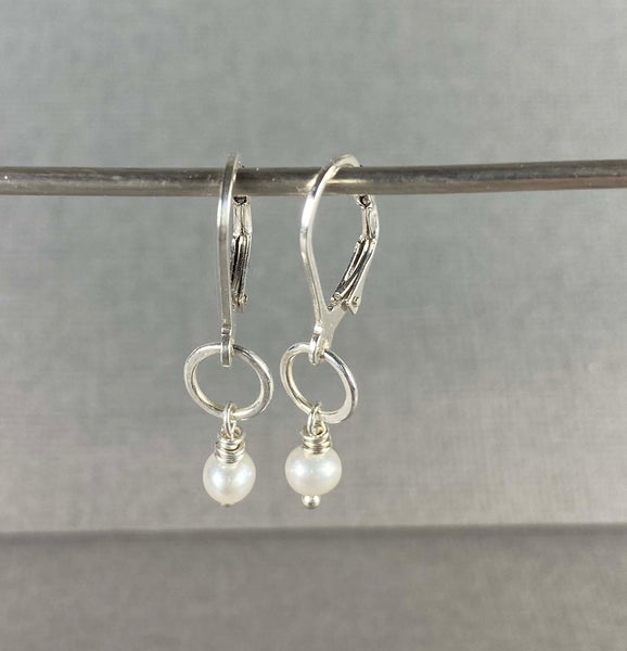 Tiny Earrings with Pearls