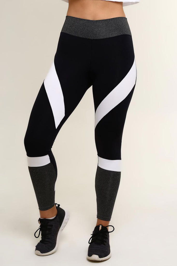 COLOR BLACK HIGH RISE LEGGING