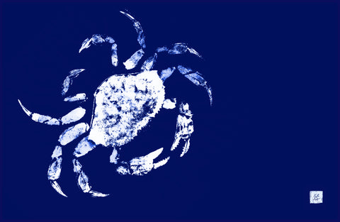 White on blue crab  placemat