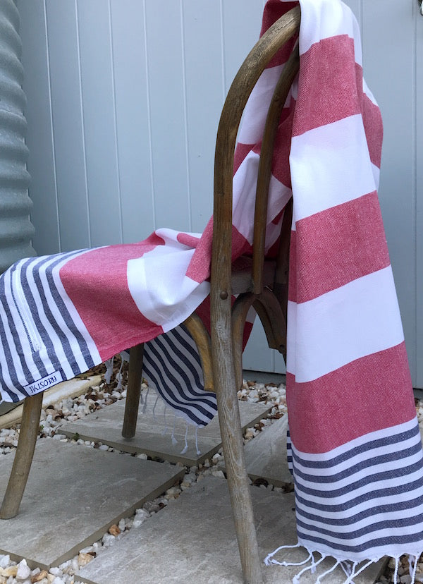Freostyle Antibes Turkish Towel with pocket, displayed