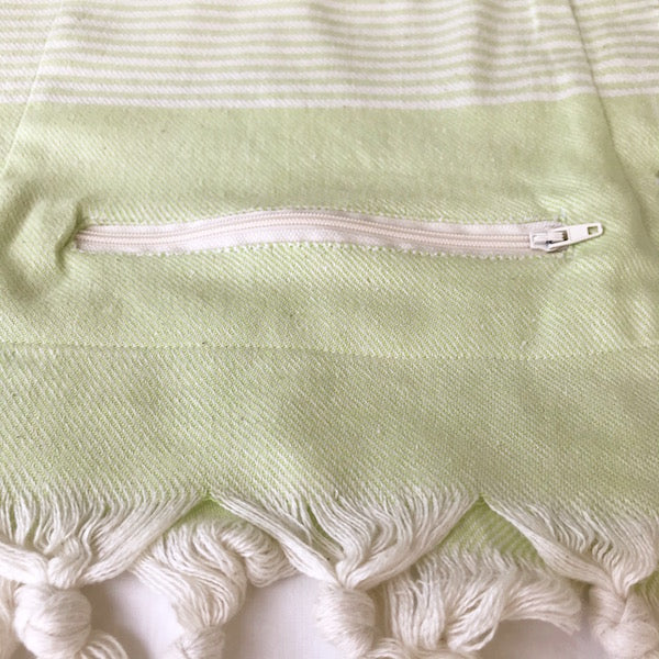 Freostyle Breeze green Turkish Towel with pocket, close up of zip pocket