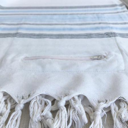 Soul Bamboo Turkish Towel has a zip up pocket