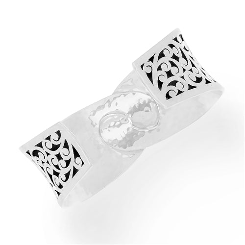 Medium Classic Signature Scroll & Granulation Interlinking Cuff