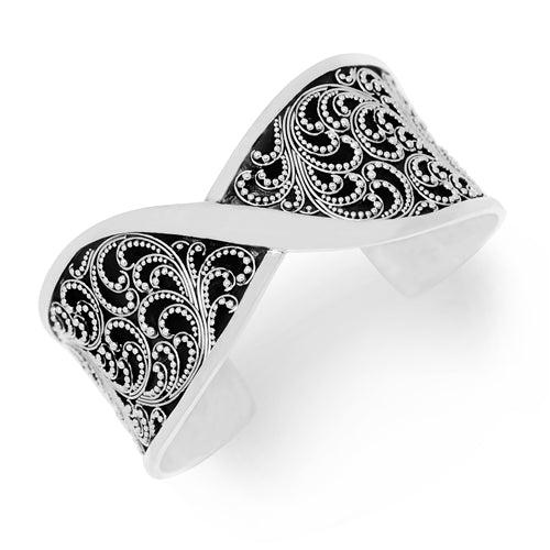 Medium Classic Granulated Scroll Twist Cuff