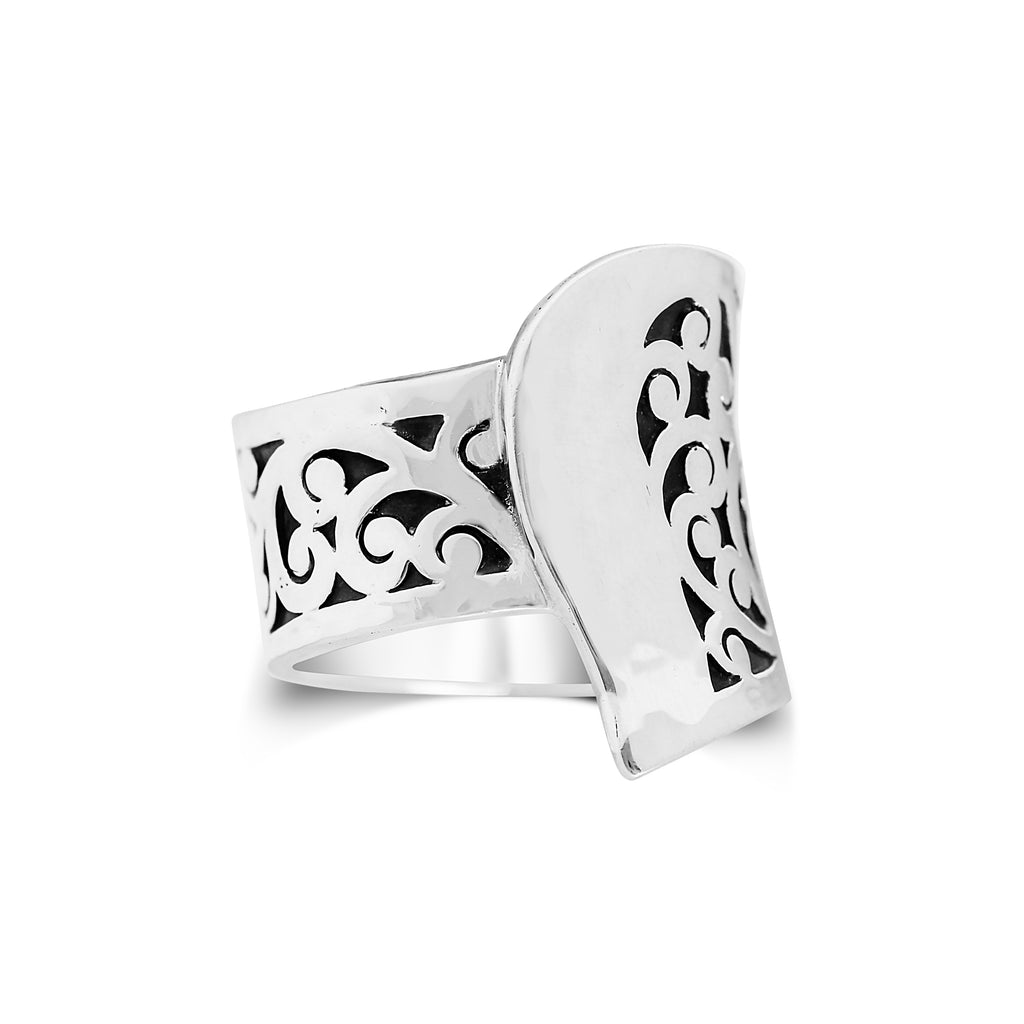 Classic Cutout Ring