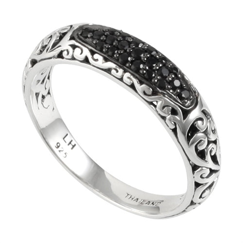 Black Sapphire, Classic Signature Scroll Band