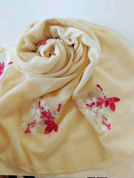 Flower embroidery Hijab red