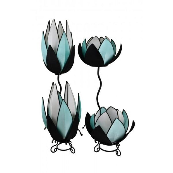 Snapdragon Turquoise & White Waterlily Lamp