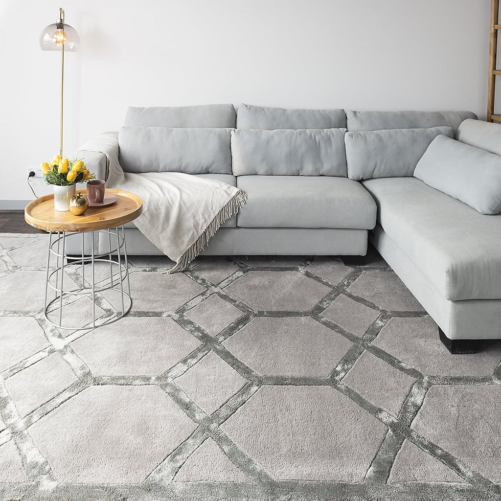 Silver Diamonds Luxury Tufted Wool Rug