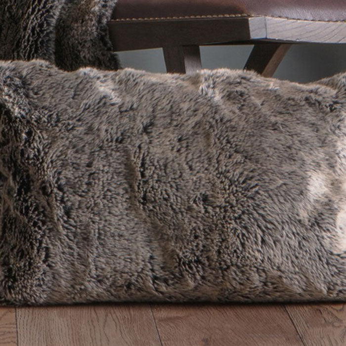 Alaskan Wolf Cushion Grey - Notbrand