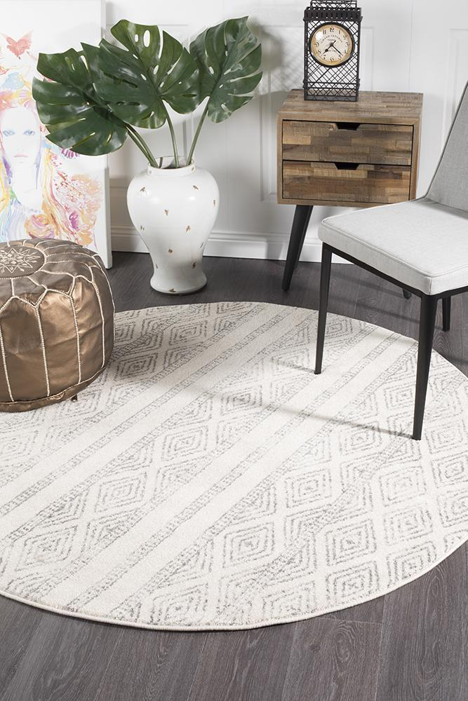 Oasis Salma White And Grey Tribal Round Rug - Notbrand