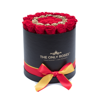 "Gold Letter "" O "" Preserved Roses 