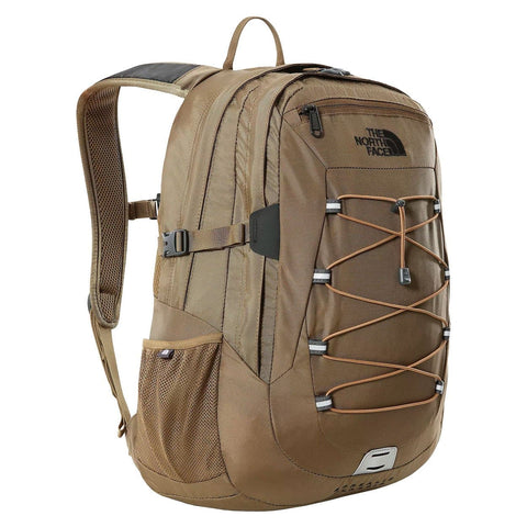 The North Face Borealis Classic Backpack em Military Olive/Utility Brown. Foto de frente a 3/4.
