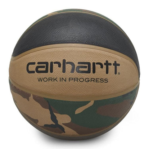 Carhartt WIP x Spalding Valiant 4 Basketball em Camo Laurel, Black, Air Force Grey e Leather.