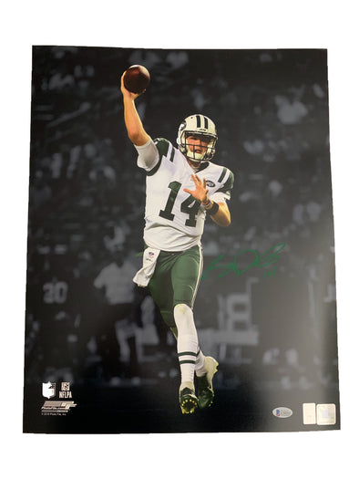 Sam Darnold Signed New York Jets Spotlight 16x20 Photo