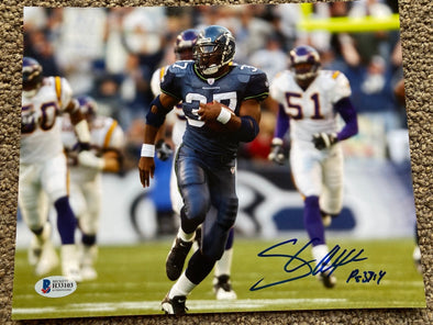 "Shaun Alexander Signed Seattle Seahawks 8x10 ""Breakaway vs Vikings"" Photo"
