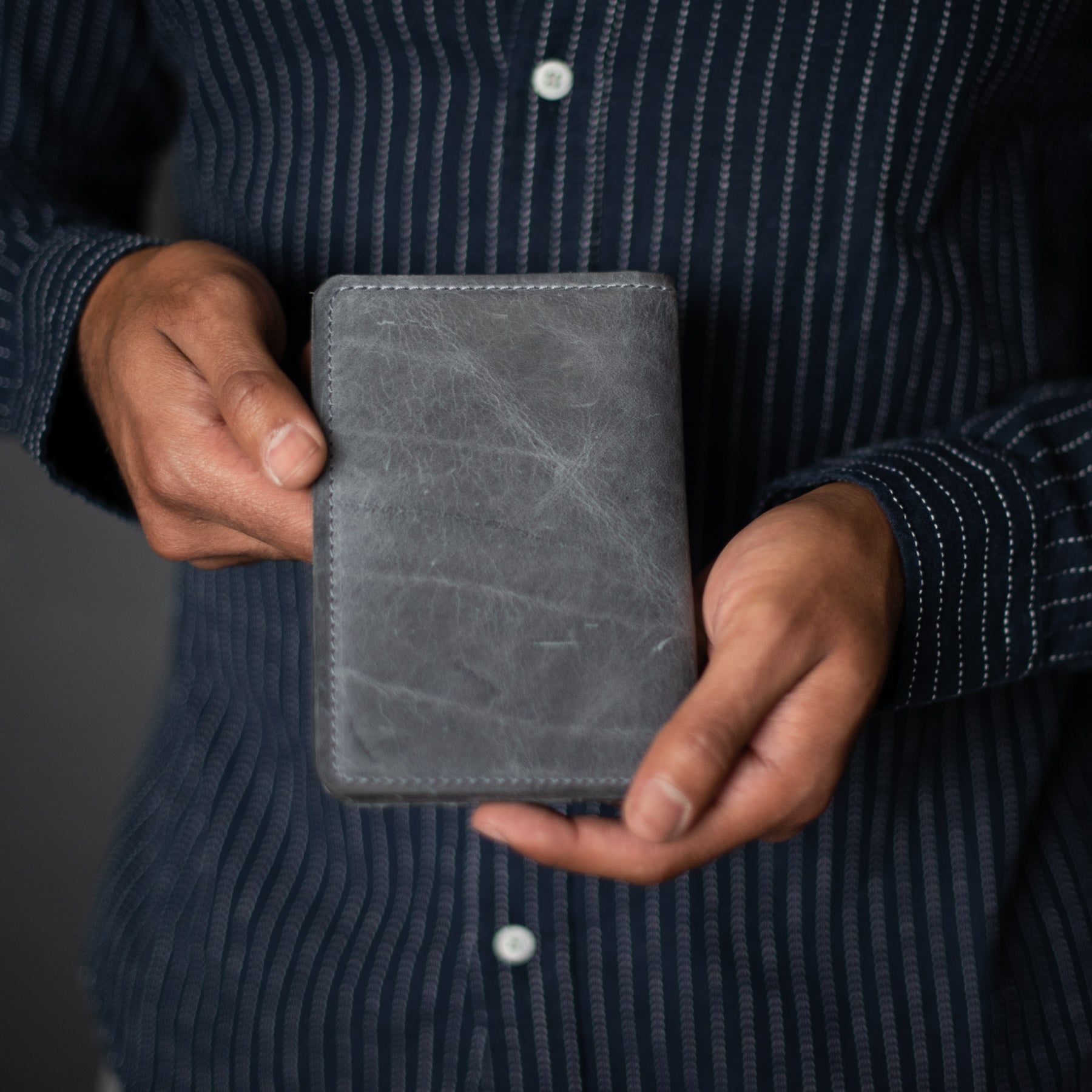 Passport Wallet | 1900 Gray