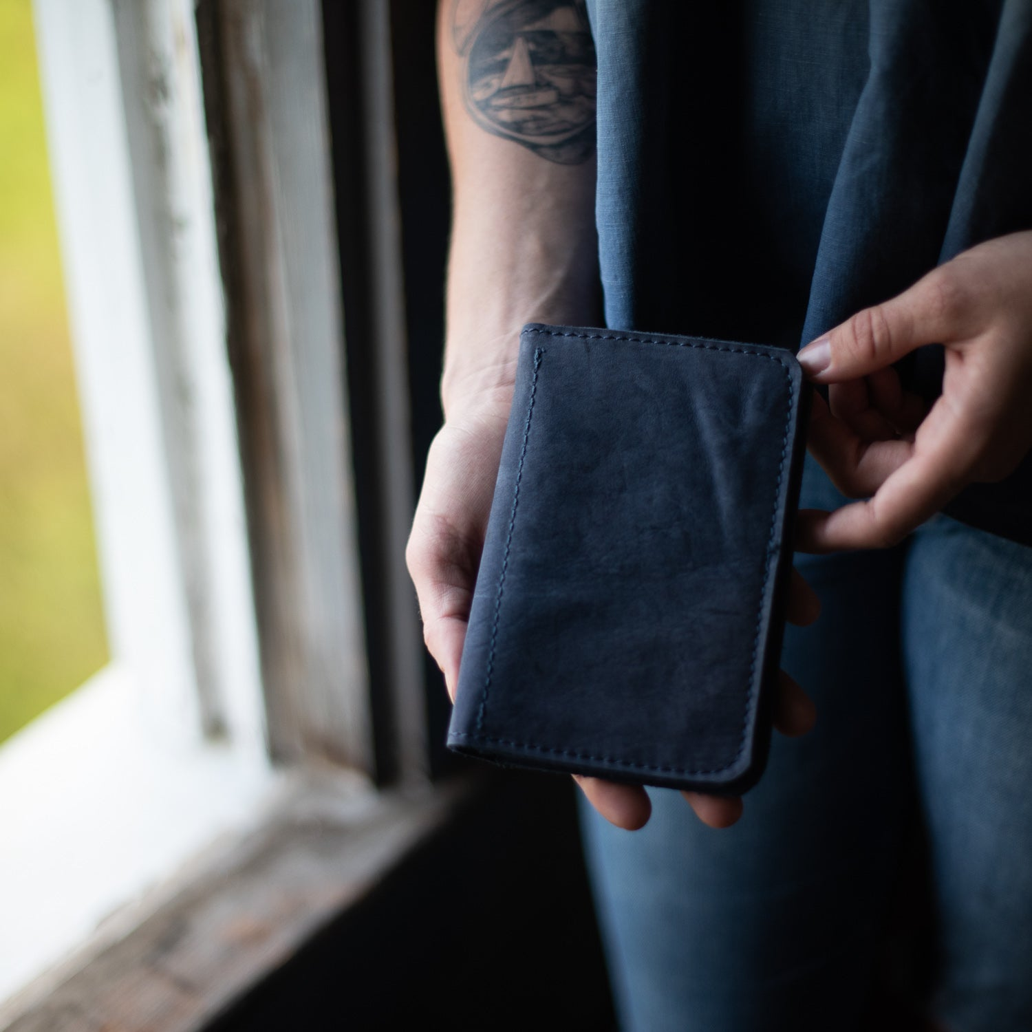 Passport Wallet | Nubuck Blue