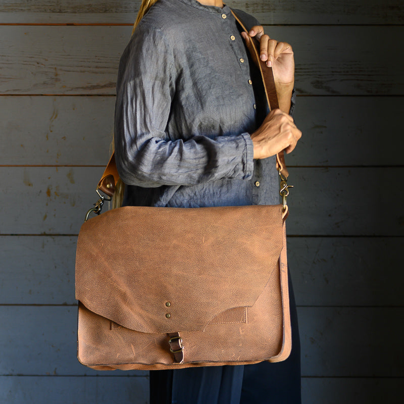 Briefcase | Rust Bison
