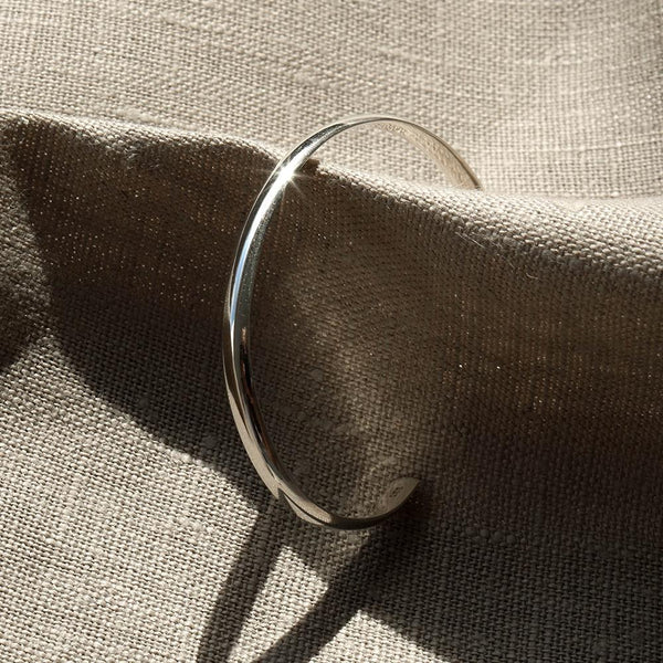|Handcrafted| Classic Arched Open Bangle
