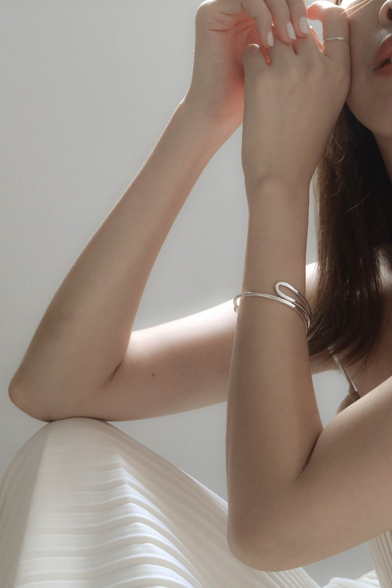 925 Curve Fold Open Bangle