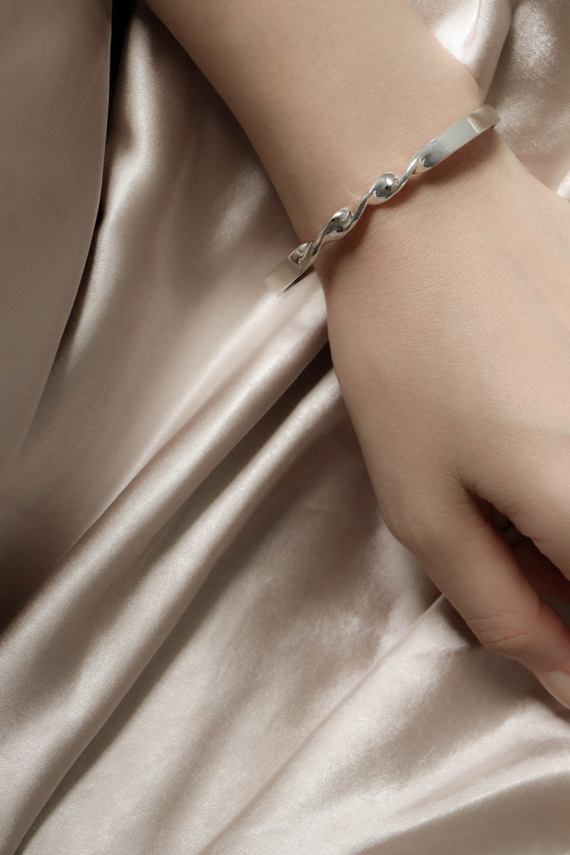 925 Charmingly Twist Open Bangle