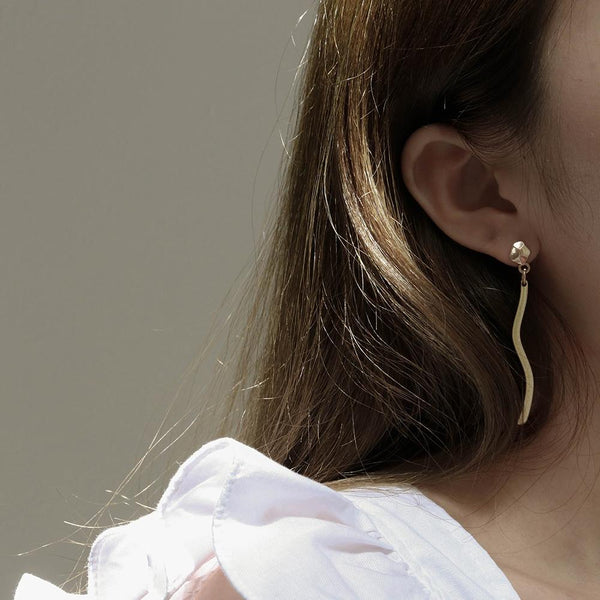 A KIND OOOF | Polygon Stud Earrings with Dropdown Bar