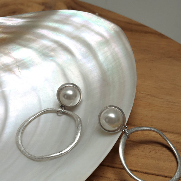 Irregular Hoop with Pearl Stud Earrings