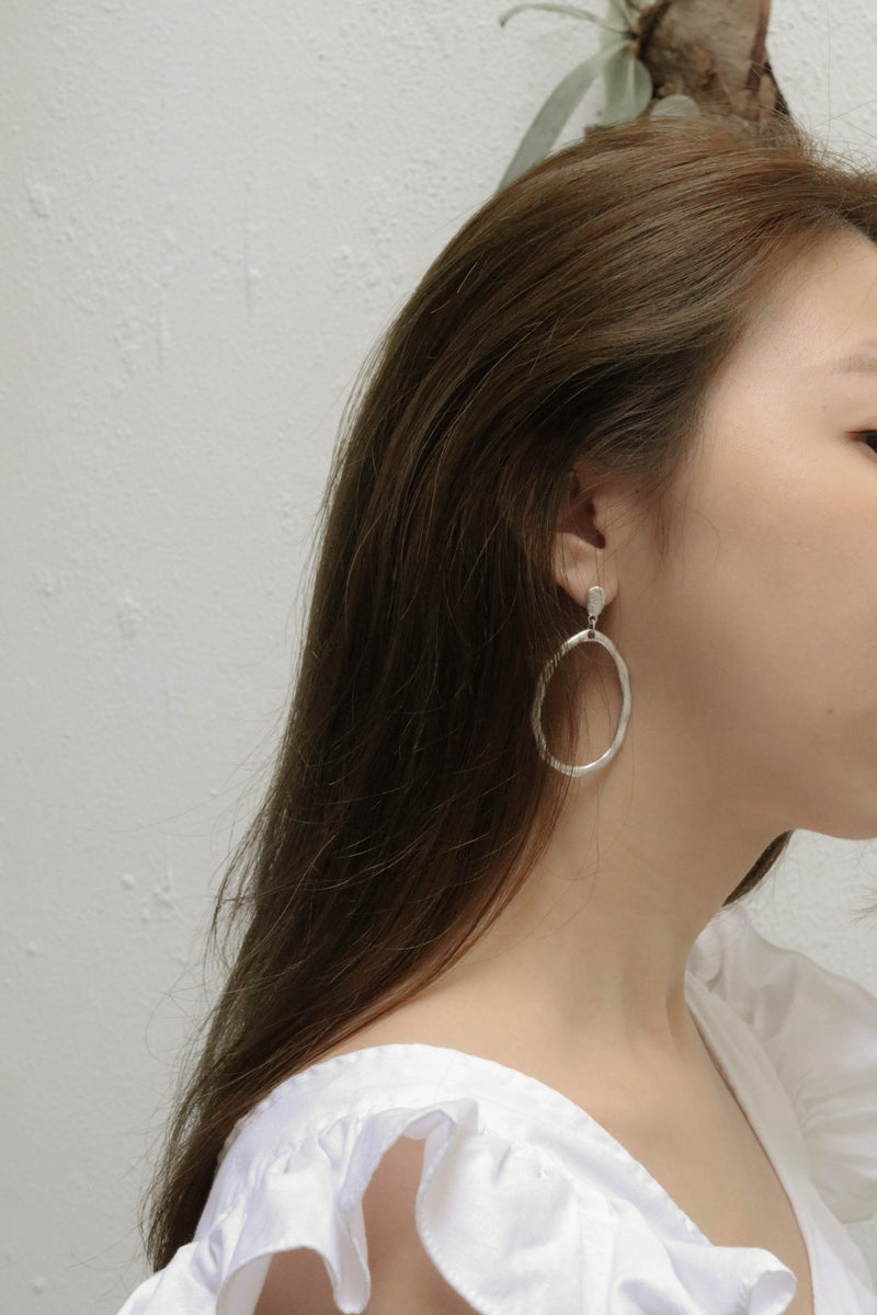 Irregular Oval-Shaped Stud Earrings
