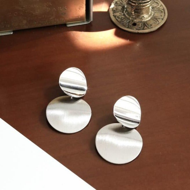 Curve Disc Dangle Earrings in Polished and Brushed Finished
