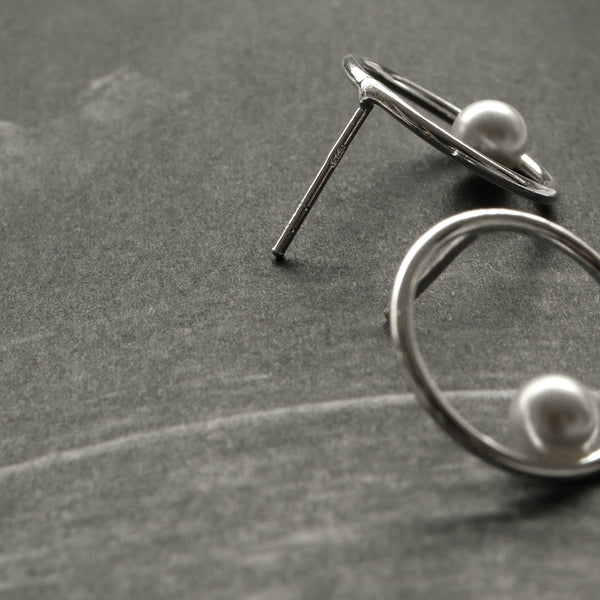 925 |Handcrafted| Hollow Round Stud Earrings with Pearl
