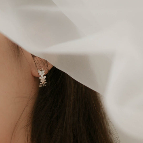 925 Daisies Crescent Earrings