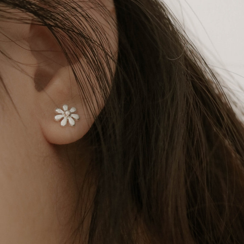 925 Oh My Sweet Daisy Earrings