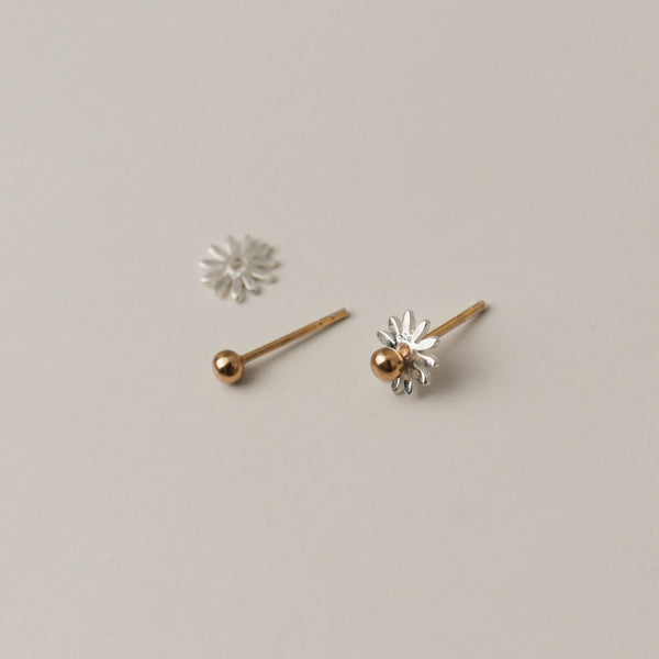 925 Two-tone Daisy Pollen Earrings
