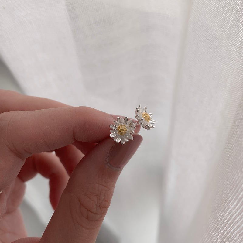 925 |Handcrafted| Daisy Earrings