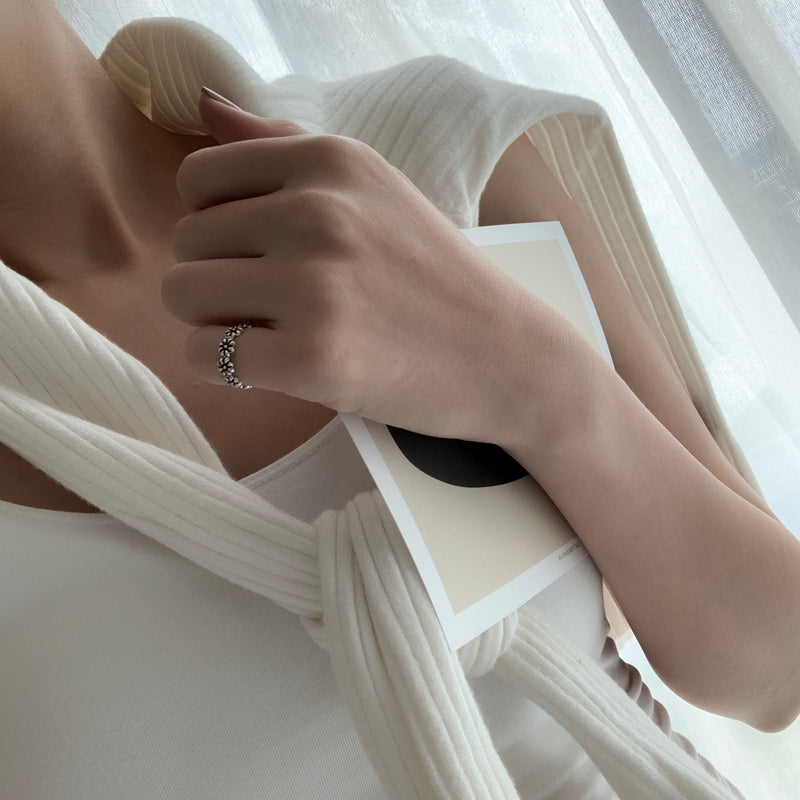 925 |Handcrafted| Flower Ring <br><font>Pinky Ring</font>