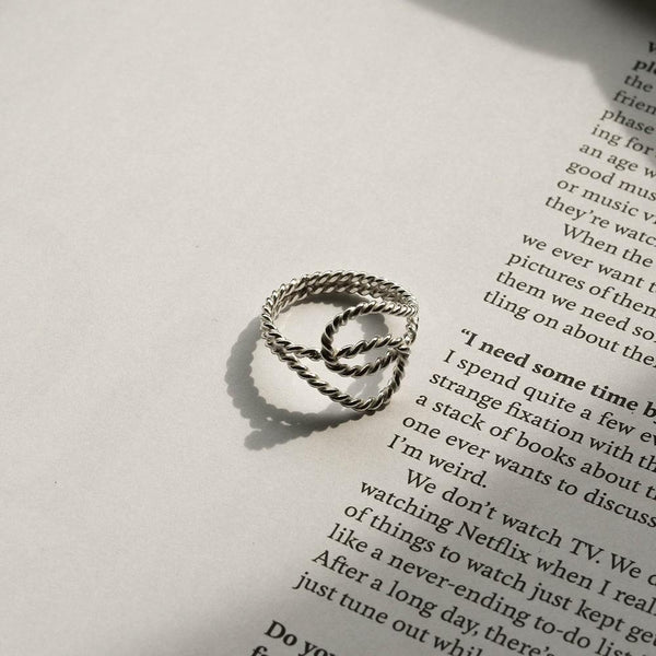 |Handcrafted| Twisting Spiral Rope Ring