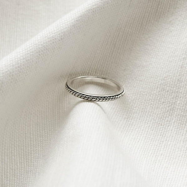 |Handcrafted| Band with Spiral Rope Ring