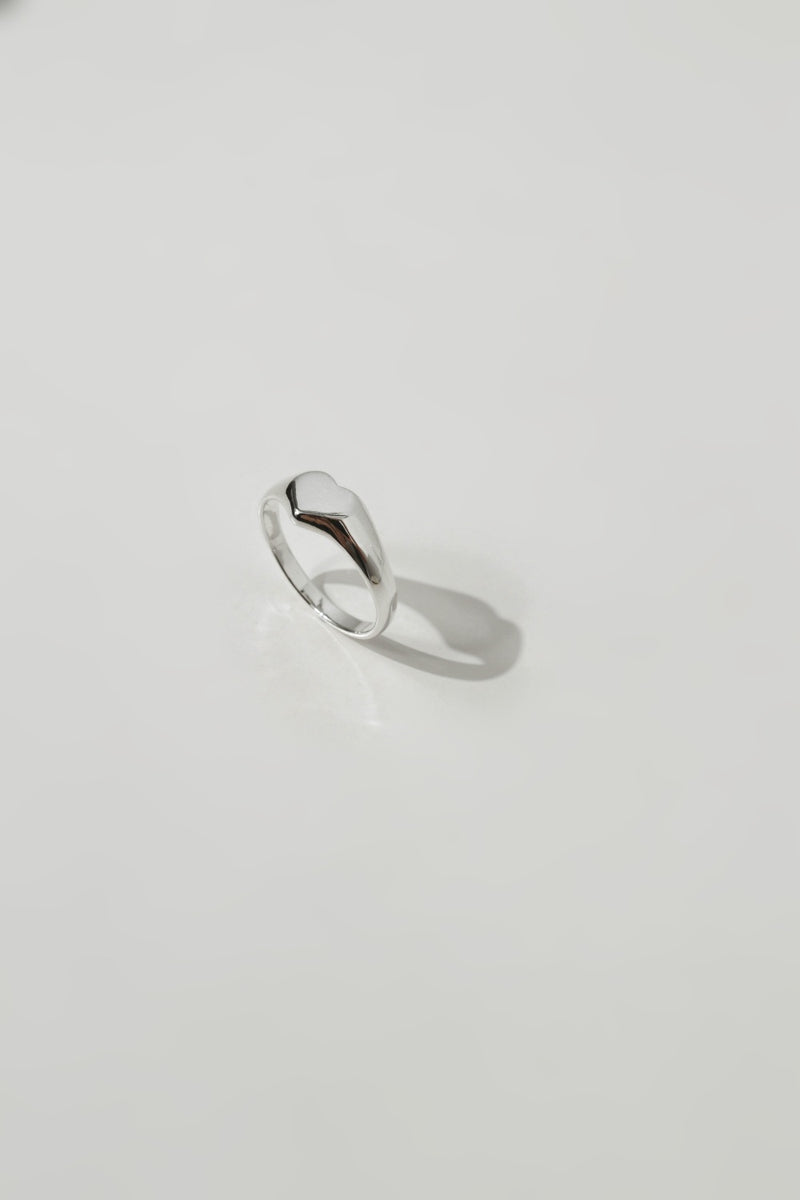 925 Heart Signet Ring <br><font>Size 9•11•12•15</font>