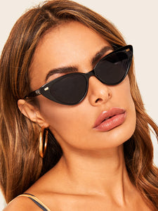 METAL DETAIL CAT EYE SUNGLASSES