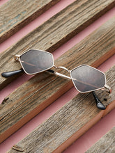 Load image into Gallery viewer, RETRO DIAMOND SHAPED LENS SUNGLASSES