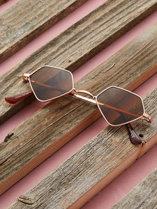 RETRO DIAMOND SHAPED LENS SUNGLASSES