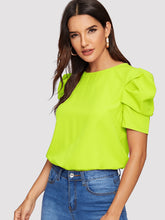 Load image into Gallery viewer, BUTTON KEYHOLE BACK PUFF SLEEVE TOP