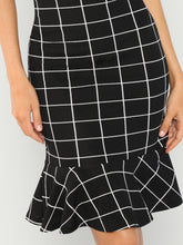 Load image into Gallery viewer, GRID PRINT RUFFLE HEM BODYCON DRESS