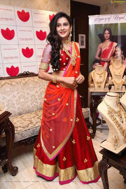 Delightful Color Red  Bangalori Silk Designer Lehnga
