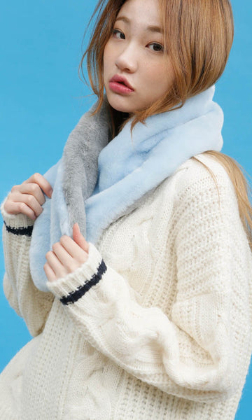 Light blue/grey faux fur muffler scarf