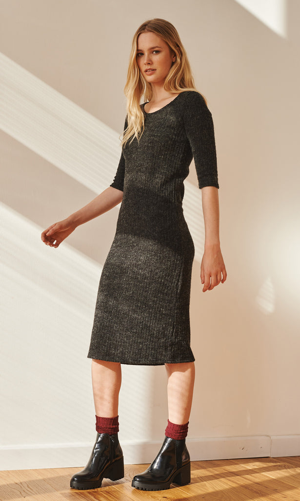 Relaxed ribbed knit anthracite midi dress